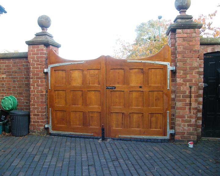 Bespoke Oak Amp Wooden Doors And Gates Handmade In The Uk